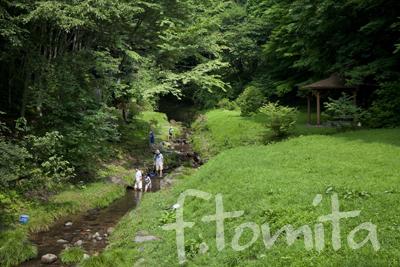 4川遊びの親子秋田県秋田市大滝山自然公園.jpg