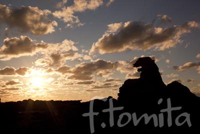 ゴジラ岩夕景2.jpg