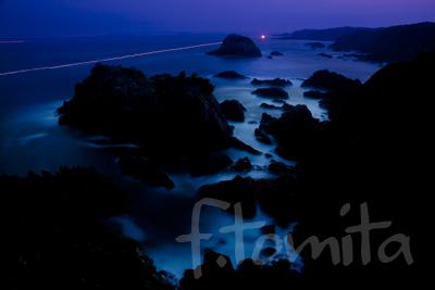 紀伊大島、夜の海.jpg