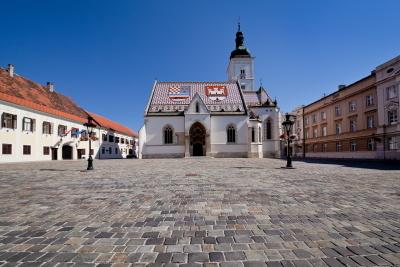 Bクロアチア、ザグレブ聖マルコ教会.JPG