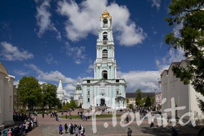 Bトロイツェ・セルギエフ大修道院(鐘楼).jpg