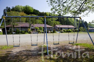 B旧上岡小学校(茨城県大子町)5月.jpg