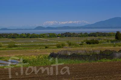 B猪苗代湖と飯豊連山を望む.jpg