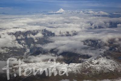 B2ペルーアンデスの山.jpg