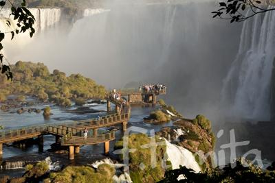 B5イグアスの滝5(ブラジル).jpg