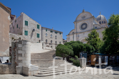 Bシべニク、聖ヤコブ大聖堂(クロアチア).JPG