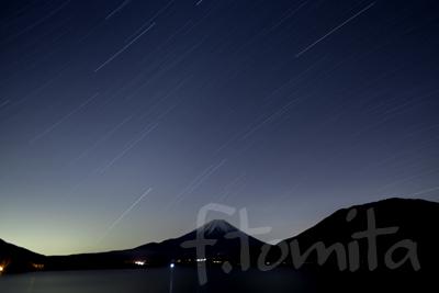 B星空、本栖湖からの富士山.jpg